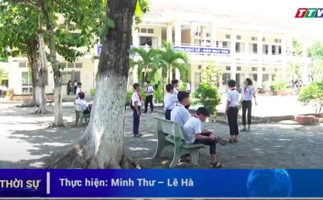 Thầy giáo ở Tây Ninh bị tố dâm ô nhiều nam sinh: Bắt học sinh kéo khóa quần, xem phim 'nóng' - Ảnh 1