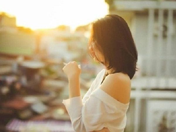 Về nhà mang theo hương nước hoa của người phụ nữ khác, cô vợ đón chồng bằng nụ cười và câu nói cả đời khó quên - Ảnh 1