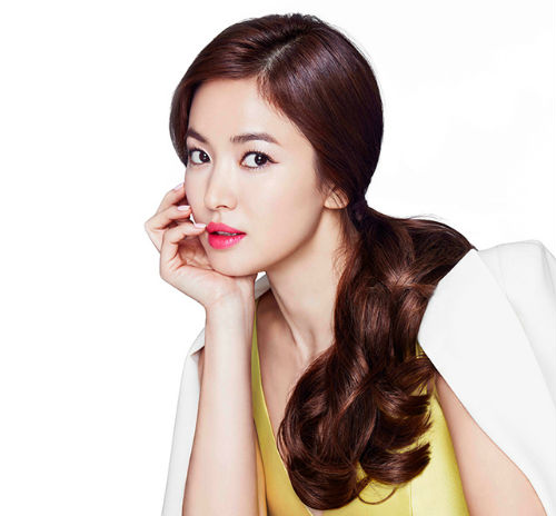 Cách mặc để tăng 10cm chiều cao của Song Hye Kyo - Ảnh 1