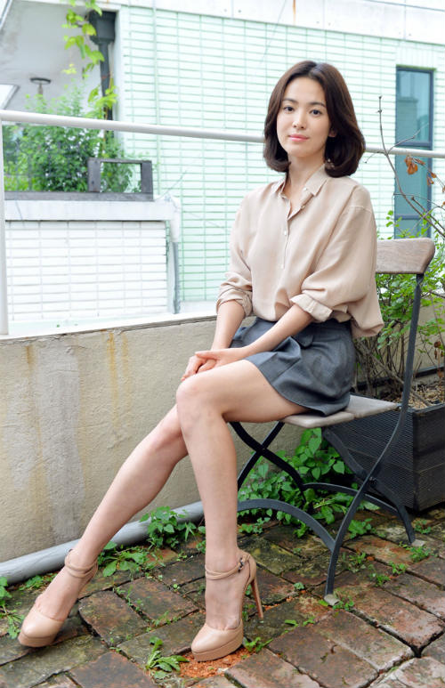 Cách mặc để tăng 10cm chiều cao của Song Hye Kyo - Ảnh 11