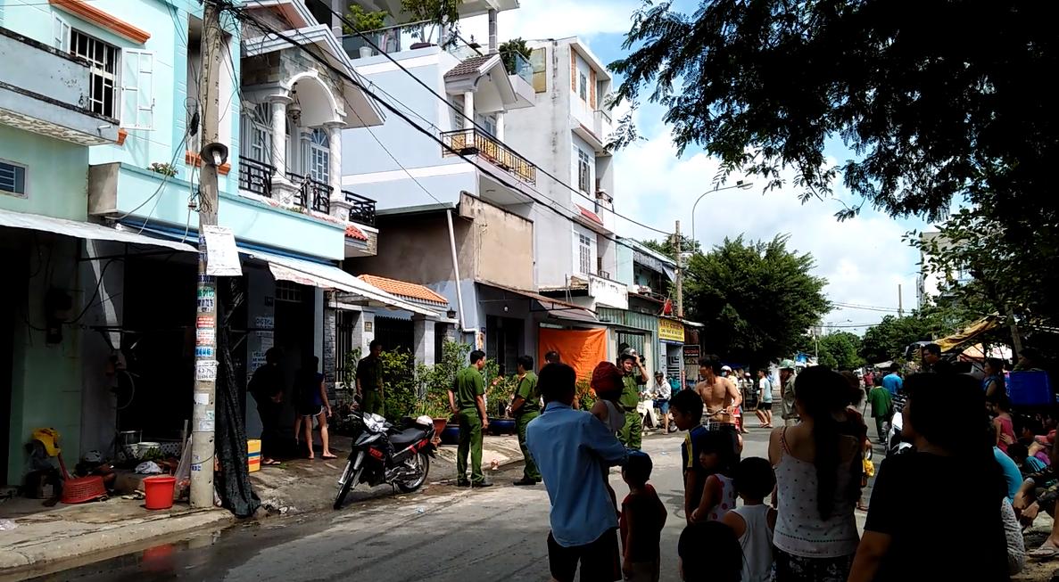 Cháy nhà trọ 3 tầng ở Sài Gòn, công nhân tháo chạy thục mạng - Ảnh 2