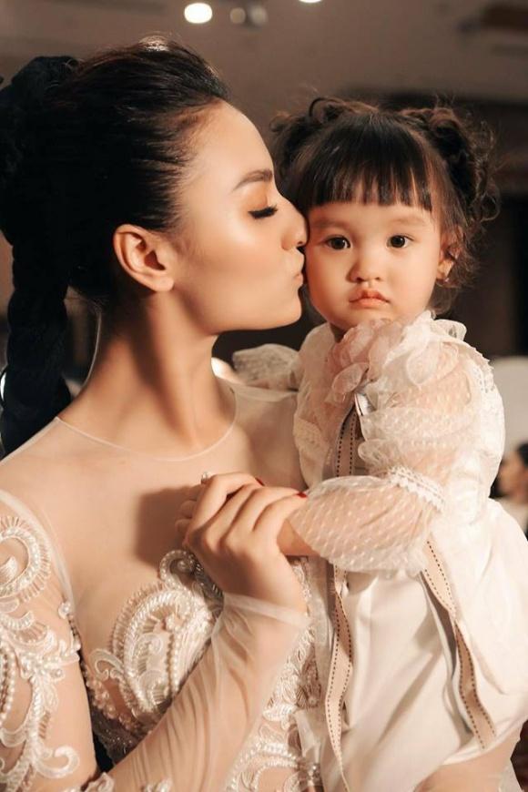 Con gái bị vạ lây vì scandal, Hồng Quế chọn cách im lặng nhưng 'không phải là sợ mà vì mẹ khinh' - Ảnh 1
