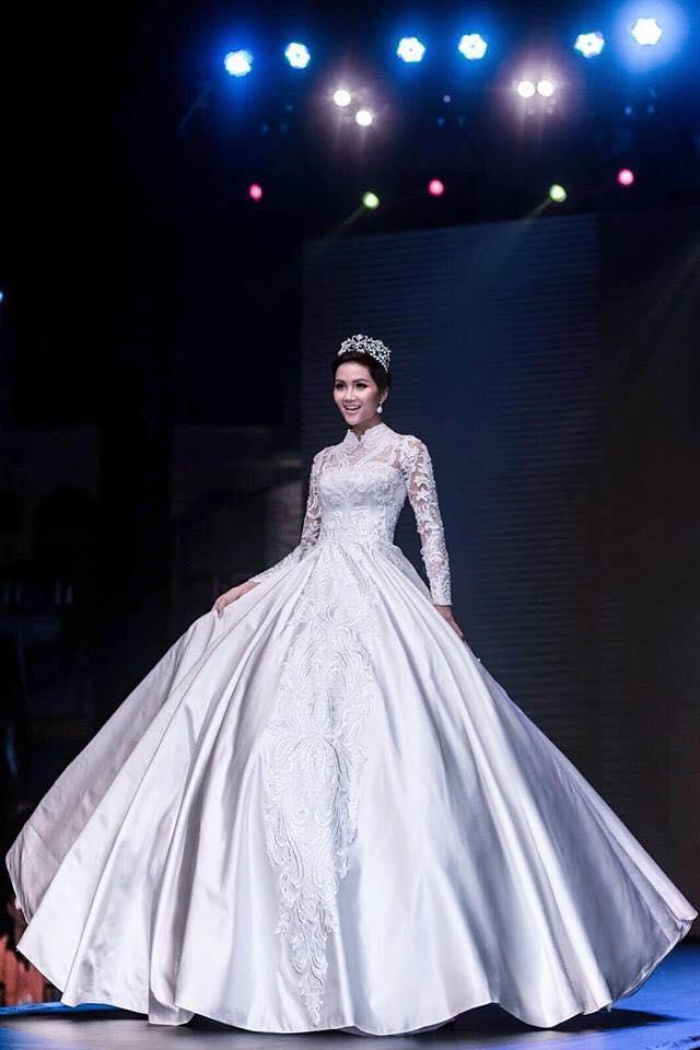Phải 5 tháng sau đăng quang, Hoa hậu H'Hen Niê mới tự tin công khai điều này với công chúng - Ảnh 5