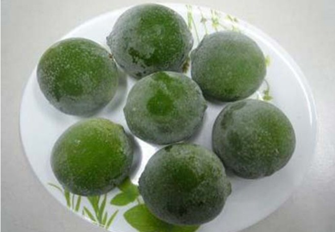 5 thực phẩm chỉ cần đông đá giúp da cải lão hoàn đồng, vừa trắng mịn lại đánh bay mụn xấu - Ảnh 3