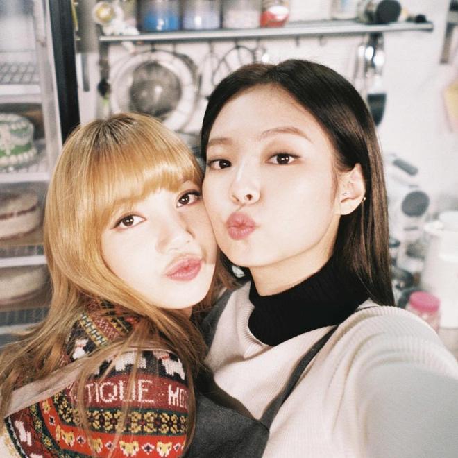 Thân là thế, Lisa và Jennie (BLACKPINK) lại nhất quyết không thể cùng đi mua sắm vì lý do chị em đều thấu - Ảnh 6
