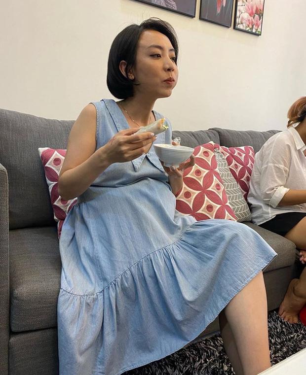 """Thu Trang tự khoe ảnh lộ bụng to rõ cùng lời khẳng định """"Andy có em"""", chuyện gì đây? - Ảnh 2"""