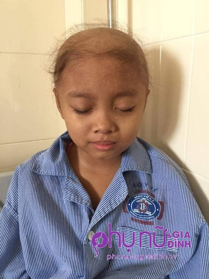 Ngậm ngùi câu nói của bé gái 10 tuổi bị liệt nửa người sau phẫu thuật u não: 'Con còn cơ hội trở về nữa không?' - Ảnh 4