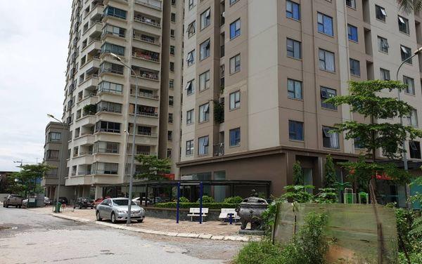 Diễn biến mới vụ bảo vệ bị tố sàm sỡ bé gái trong chung cư Hà Nội - Ảnh 1
