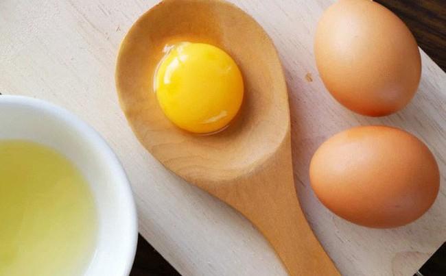 Ai cũng sợ ăn trứng gà làm tăng cholesterol nhưng mỗi ngày ăn một quả trứng gà sẽ nhận được lợi ích ai cũng muốn như sau - Ảnh 2