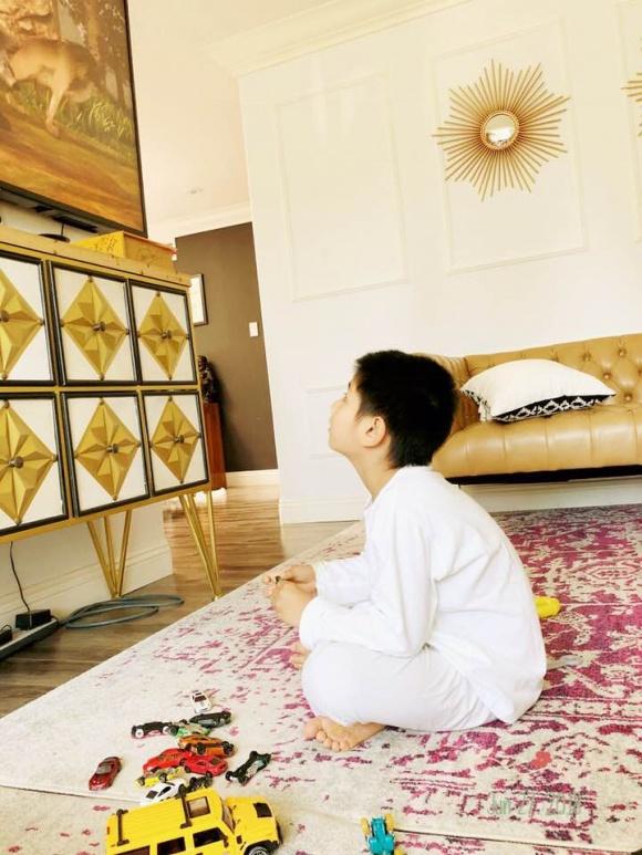 Hồng Nhung lần đầu tiết lộ chuyện con trai 6 tuổi bị bệnh tự kỷ - Ảnh 2