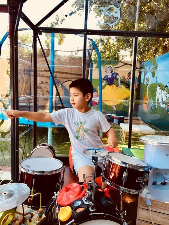 Hồng Nhung lần đầu tiết lộ chuyện con trai 6 tuổi bị bệnh tự kỷ - Ảnh 3
