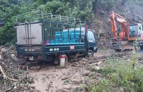 Lũ quét ập xuống bất ngờ, người dân ở Lai Châu chạy tán loạn - Ảnh 6