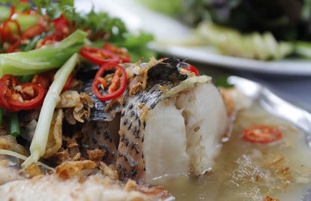 Bí quyết làm món cá hấp thơm ngon cho bữa cơm cuối tuần - Ảnh 1
