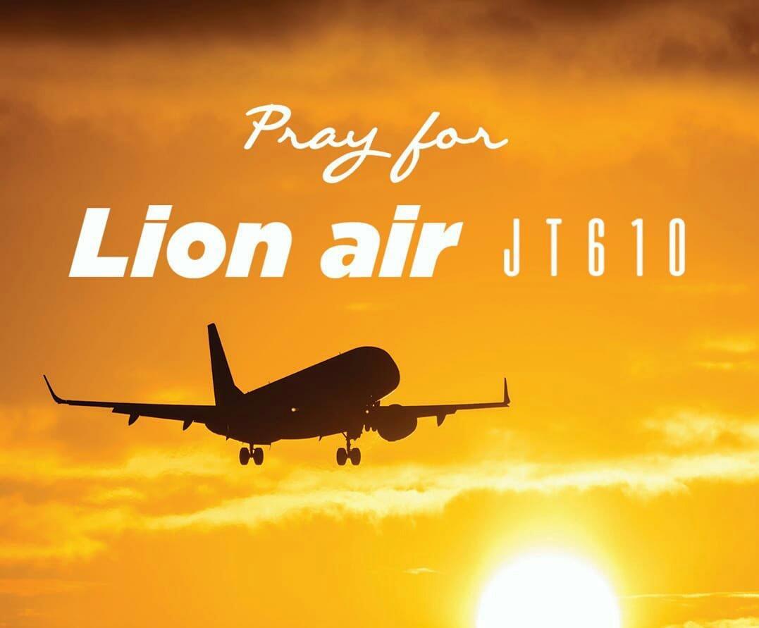 Bức ảnh đôi vợ chồng 'dắt tay nhau đi đến thiên đường' trong vụ rơi máy bay Lion Air khiến cộng đồng mạng nghẹn ngào - Ảnh 3