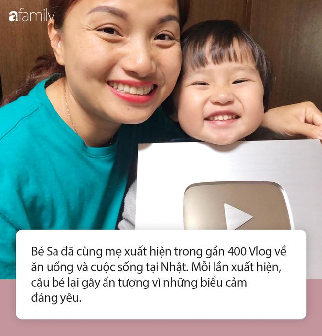 Lý do gì khiến nhóc Sa 3 tuổi ngoan ngoãn ngồi xem mẹ quay Vlog, có thể bởi cách dạy con cực khéo của Quỳnh Trần JP - Ảnh 2