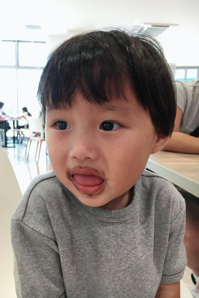 Lý do gì khiến nhóc Sa 3 tuổi ngoan ngoãn ngồi xem mẹ quay Vlog, có thể bởi cách dạy con cực khéo của Quỳnh Trần JP - Ảnh 5