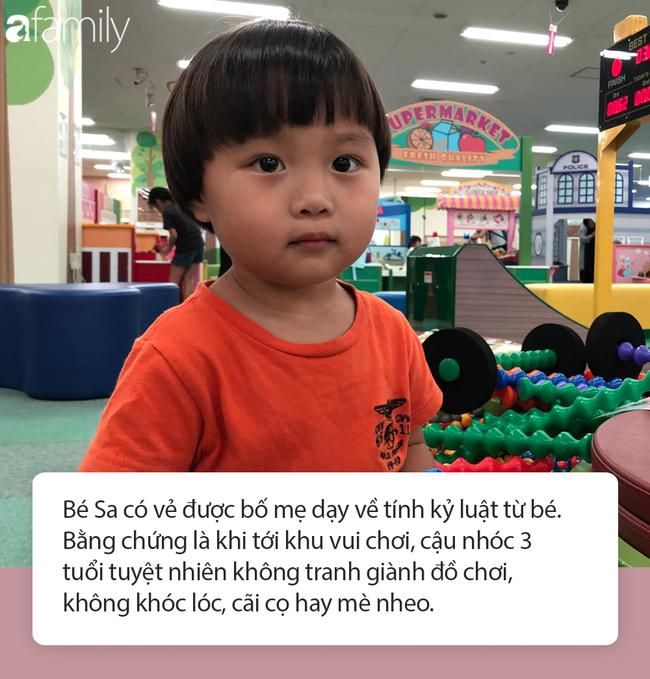 Lý do gì khiến nhóc Sa 3 tuổi ngoan ngoãn ngồi xem mẹ quay Vlog, có thể bởi cách dạy con cực khéo của Quỳnh Trần JP - Ảnh 7