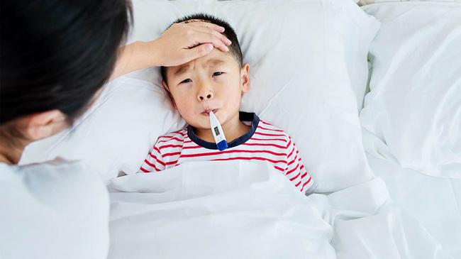 3 thời điểm mẹ không nên tắm cho trẻ bởi có thể nguy hiểm đến sức khỏe  - Ảnh 2
