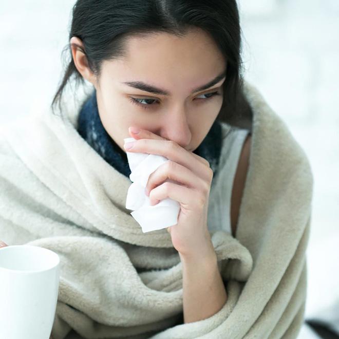 Ăn mặc theo mốt trên đông dưới hè khiến bạn phải đối mặt với hàng loạt vấn đề sức khoẻ - Ảnh 3