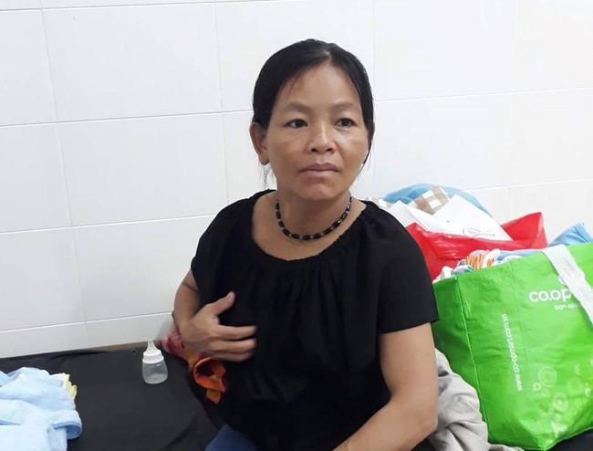 Hai bé gái song sinh suy dinh dưỡng trên tay người mẹ dân tộc nghèo, thiếu sữa, tã và không có tiền chữa bệnh - Ảnh 3