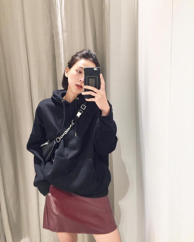 Kiểu áo 'hot hit' nhất toàn cầu năm 2018 chẳng phải thứ gì xa lạ mà đã được giới trẻ Việt diện chán chê từ lâu - Ảnh 4