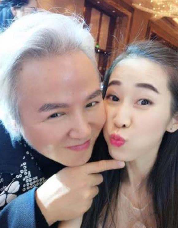 Cao tay như Trương Đình, tặng 'em gái mưa' của chồng đồng hồ hàng hiệu dập tắt tin đồn hôn nhân rạn nứt - Ảnh 3