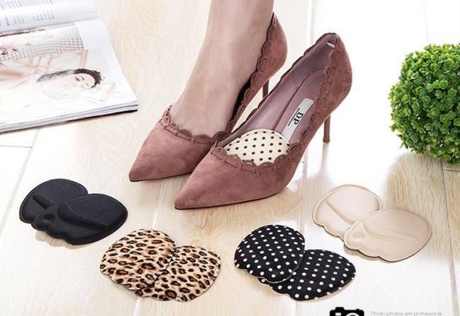 Chị em sắm giày cao gót diện Tết, ngoài phần gót cao còn phải chú ý chi tiết này thì đi giày mới thoải mái - Ảnh 5