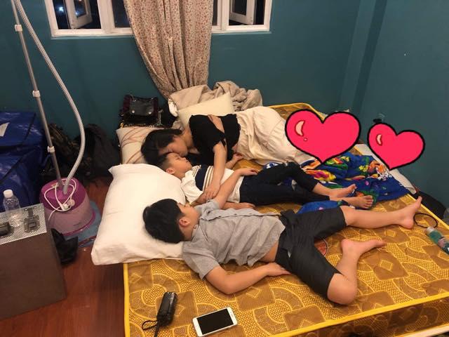 Làm việc gần 24 giờ mỗi ngày để kịp lo Tết, Lâm Vỹ Dạ quên mệt mỏi khi được con trai nói lời yêu thương - Ảnh 1