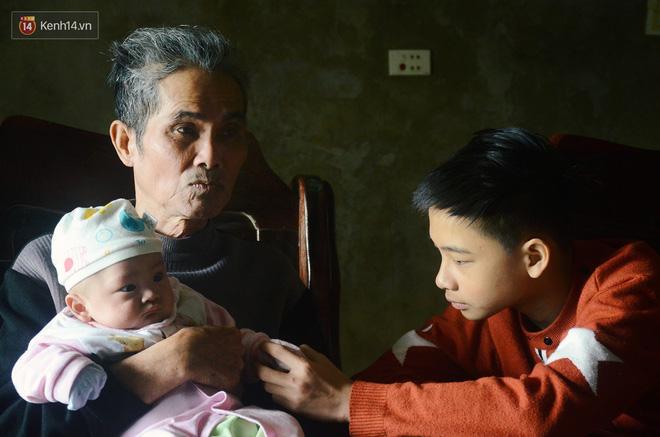 Về thăm 2 anh em mất bố mẹ trong vụ cháy Đê La Thành: Nhìn cháu nở nụ cười, nỗi đau cũng vơi đi... - Ảnh 5