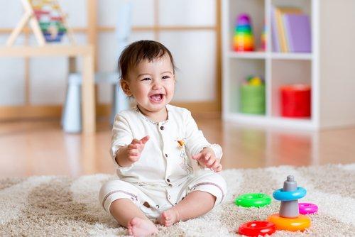 Thời điểm bé biết ngồi và cách luyện tập ngồi cho bé không để ảnh hưởng đến cột sống - Ảnh 6