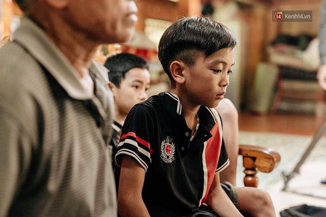 Được tặng thêm một chiếc xe đạp mới sau câu chuyện 'vượt 100km thăm em', cậu bé 13 tuổi nhường lại cho bạn khó khăn hơn - Ảnh 9