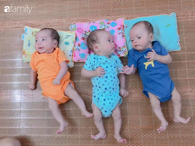 Hé lộ cuộc sống bỉm sữa của gia đình sinh ba: 2 tháng đầu gần như thức trắng đêm, mỗi tháng tốn 30 triệu nuôi con - Ảnh 1
