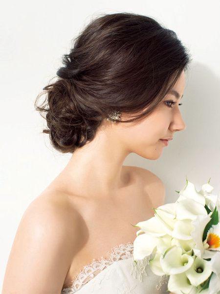 Chọn ngay một trong các kiểu tóc đẹp đi dự tiệc giúp bạn toả nắng trong mắt chàng! - Ảnh 2