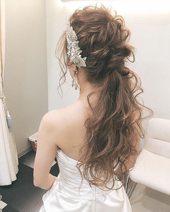 Chọn ngay một trong các kiểu tóc đẹp đi dự tiệc giúp bạn toả nắng trong mắt chàng! - Ảnh 5