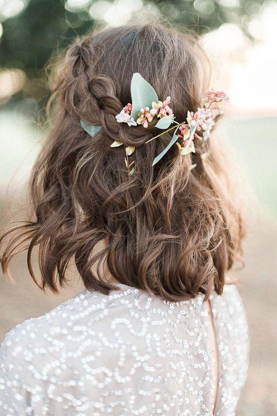 Chọn ngay một trong các kiểu tóc đẹp đi dự tiệc giúp bạn toả nắng trong mắt chàng! - Ảnh 8