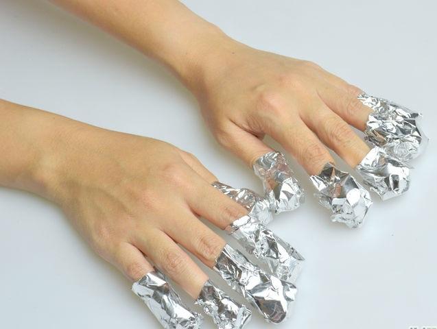 Cách tẩy sơn gel đơn giản tại nhà không làm hư hại móng - Ảnh 3