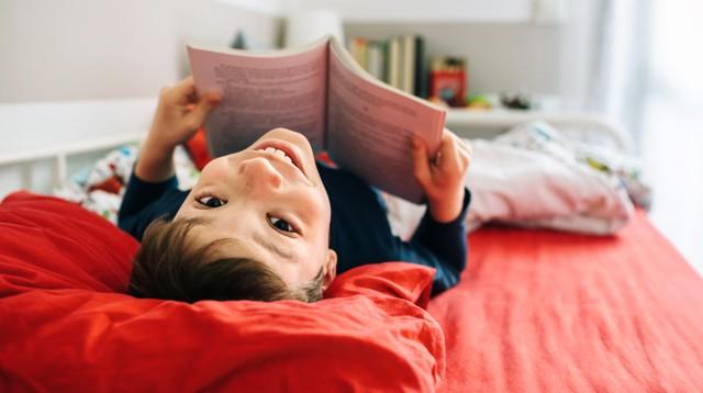 Con lười đọc sách, mẹ đã có ngay 5 bí kíp giúp con yêu thích và ham đọc ngay từ nhỏ - Ảnh 1