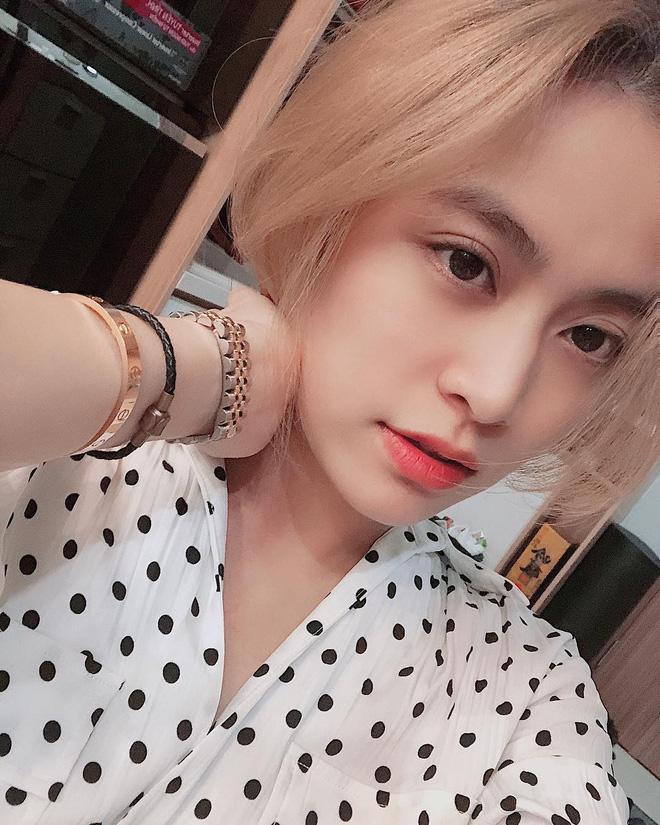"""Công thức makeup thường ngày của Hoàng Thùy Linh sẽ giúp bạn biết thế nào là """"đẹp rạng ngời mà không chói lóa"""" - Ảnh 1"""