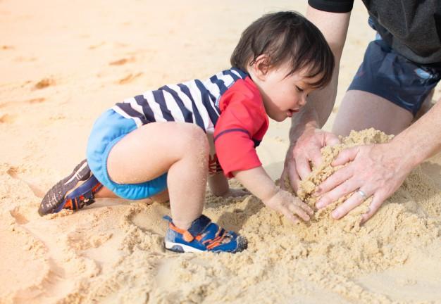 Không ngờ việc cho trẻ ra biển chơi lại có những lợi ích hay ho như thế này theo giải thích của các chuyên gia - Ảnh 4
