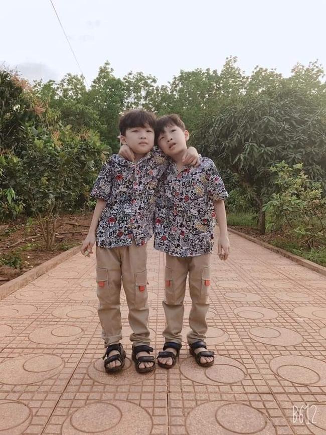 Bình Phước: 2 bé trai sinh đôi mất tích bí ẩn để lại xe đạp cách nhà vài trăm mét, cha mẹ thảm thiết cầu cứu - Ảnh 1