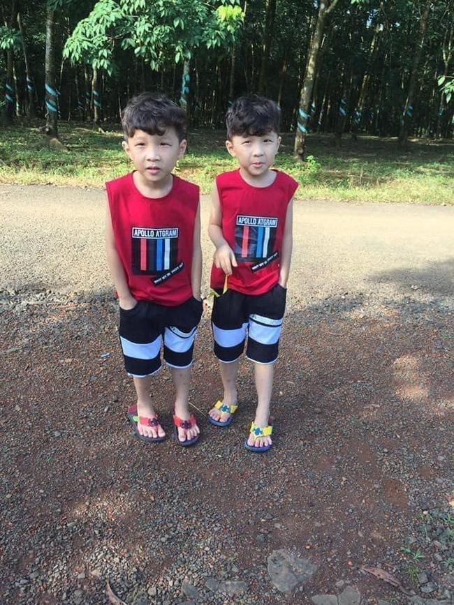Bình Phước: 2 bé trai sinh đôi mất tích bí ẩn để lại xe đạp cách nhà vài trăm mét, cha mẹ thảm thiết cầu cứu - Ảnh 2