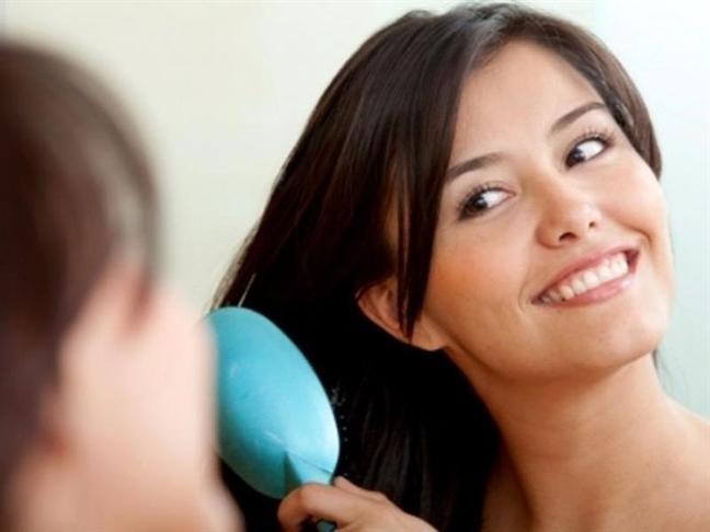 Chỉ 5 phút mỗi ngày, chặn đứng nguy cơ hói do rụng tóc - Ảnh 2