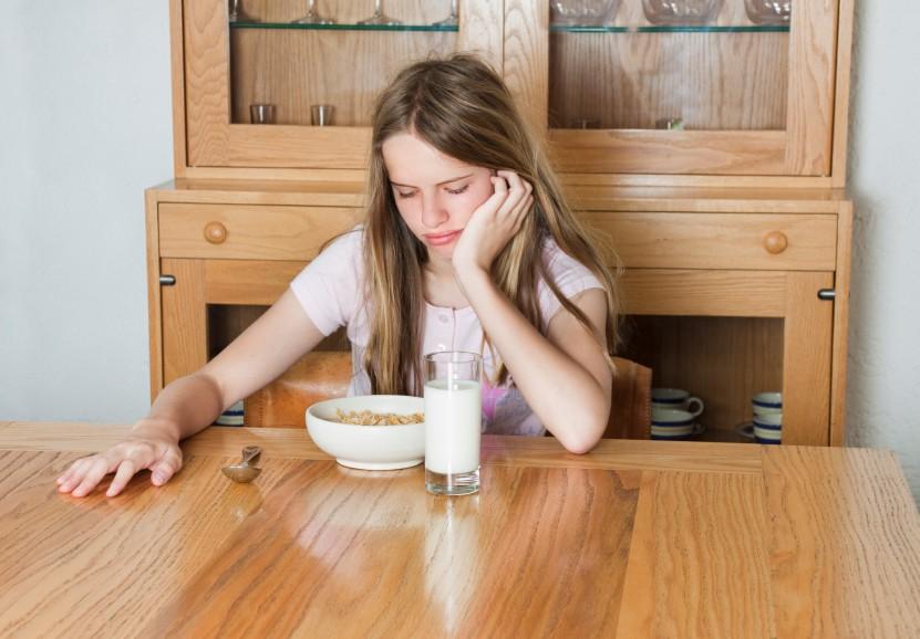 Hay mải làm việc rồi ăn muộn, bỏ bữa gây ra hàng loạt tác hại cho sức khỏe - Ảnh 1