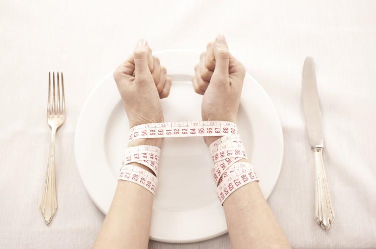 Hay mải làm việc rồi ăn muộn, bỏ bữa gây ra hàng loạt tác hại cho sức khỏe - Ảnh 4