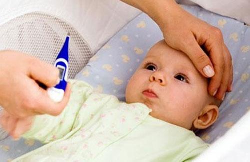 Phân biệt các biểu hiện sốt mọc răng ở trẻ em với các bệnh nguy hiểm khác - Ảnh 2