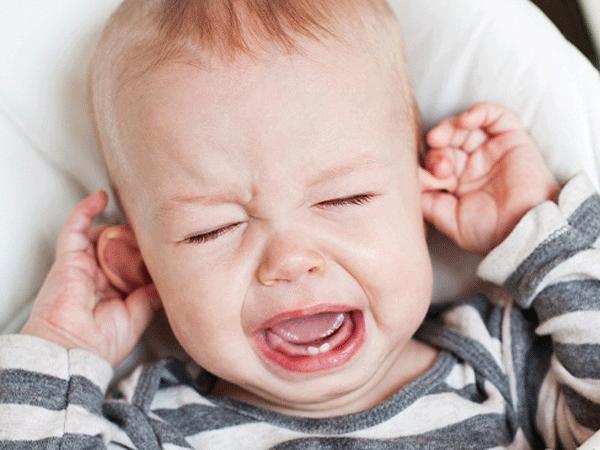Phân biệt các biểu hiện sốt mọc răng ở trẻ em với các bệnh nguy hiểm khác - Ảnh 3