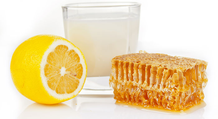 Làm trắng da tự nhiên tại nhà đơn giản với hỗn hợp sữa, chanh, mật ong