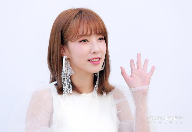 Gây tranh cãi khi tuyên bố hẹn hò, nữ idol Kpop đình đám một thời đột ngột tuyên bố kết hôn với tổng tài công nghệ - Ảnh 3