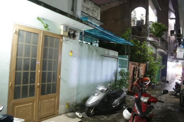 Lời khai lạnh lùng của gã đàn ông đánh đập dã man, siết cổ bé gái 3 tuổi ở Sài Gòn - Ảnh 2