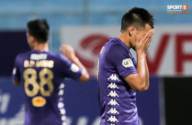 Tại sao Quang Hải không thi đấu trong ngày Hà Nội FC thua đau trên sân nhà? - Ảnh 2